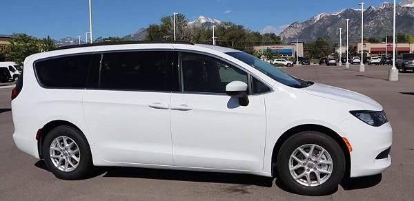 Chrysler Voyager 2020.