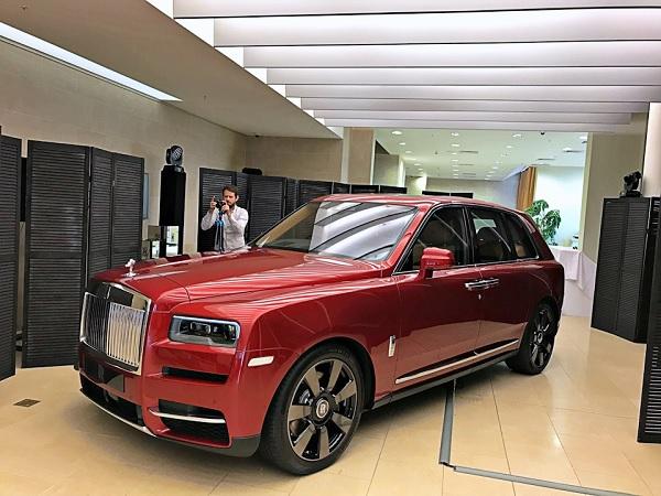 Rolls Royce Cullinan 2021.