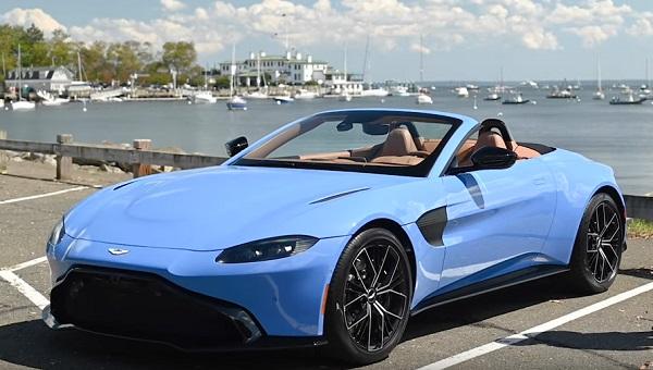 Aston Martin Vantage Roadster 2021.
