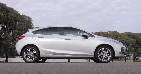 Chevrolet Cruze 2021.