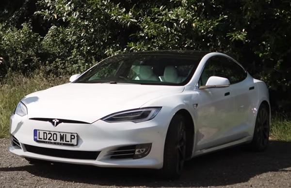 Tesla Model S 2021.