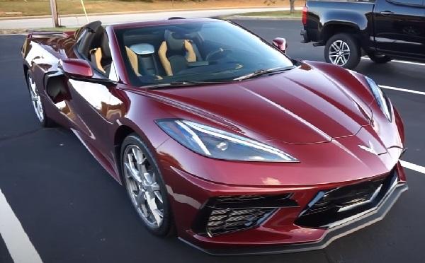 Chevrolet Corvette C8 Stingray 2021.
