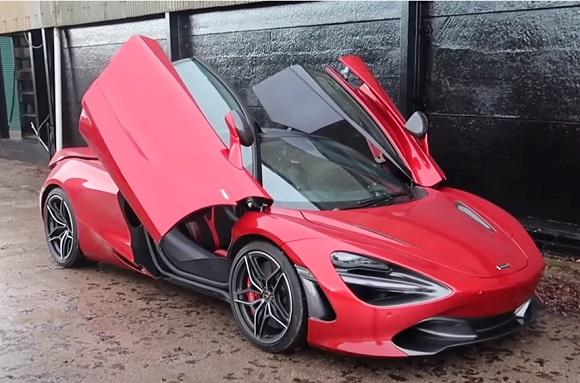 McLaren 720S 2021.