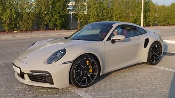 Porsche 911 Turbo S 2021.