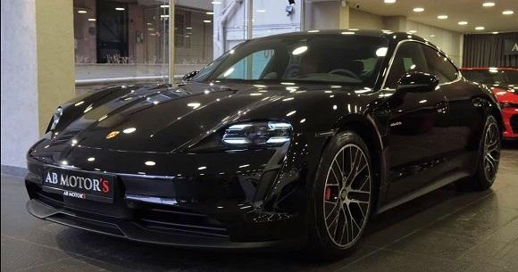 Porsche Taycan 2021.