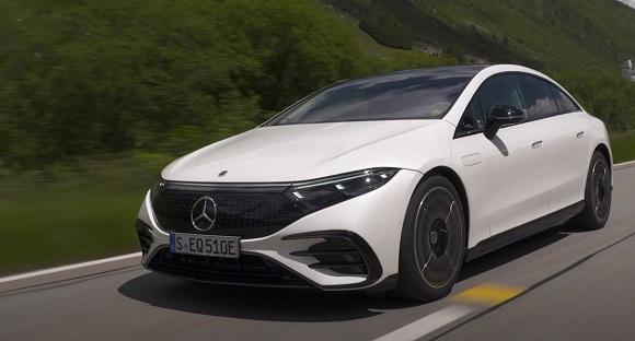 Mercedes EQS 580 2022.