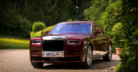 Rolls-Royce Phantom 2021.